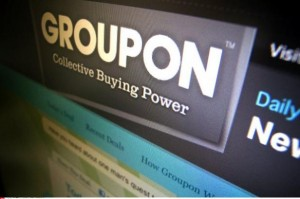 logo groupon 300x199 Groupon en chute libre ?