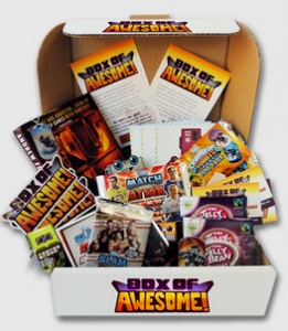Box of awesome contenu 261x300 Box of Awesome lance le concept des box mensuelles... gratuites !